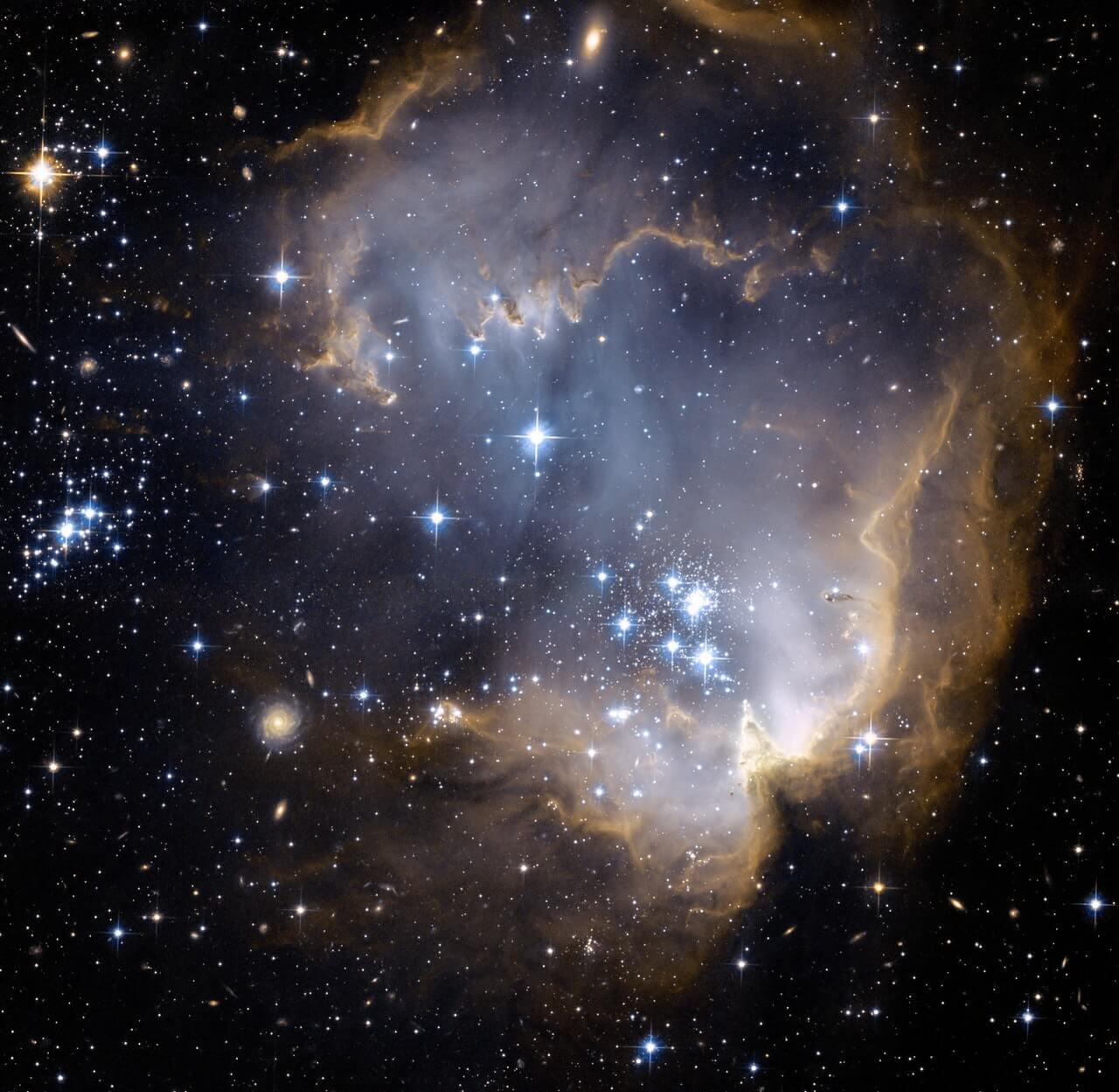 Aniara - är mänskligheten på väg till en galax långt bort?